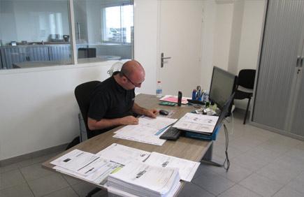 Arnaud, Service Devis